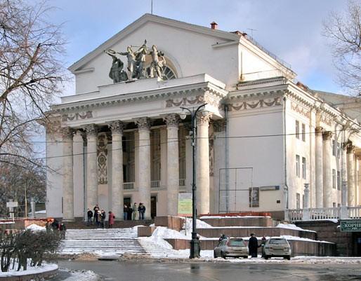 """...на концерт камерного оркестра VIOLINI DI MAESTRO  """"Великие итальянцы, Великие города """" проходивший во Дворце на Яузе."""
