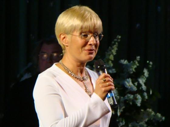Илона Броневицкая в СВ шоу с Веркой Сердючкой видео
