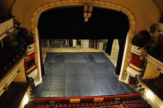 Труппу с конца 1960-х годов собирал режиссер Андрей Гончаров, после смерти...  Театр Театр им. Маяковского...