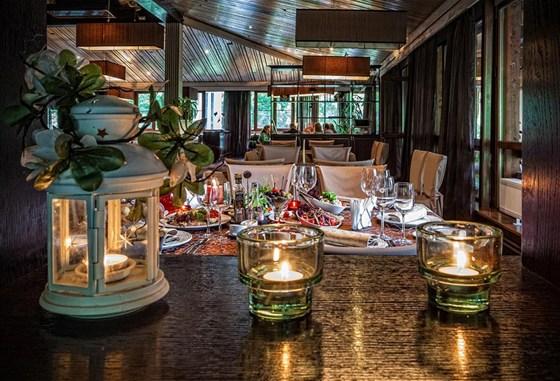 Ресторан Времена года - фотография 22 - Большой зал