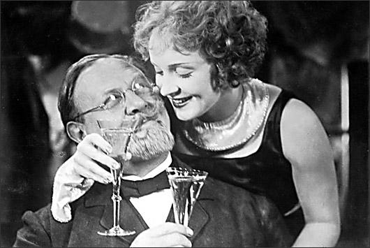 """""""Голубой Ангел"""" - немецкий фильм 1930 года с Марлен Дитрих в главной роли. На русском языке - смотреть онлайн"""